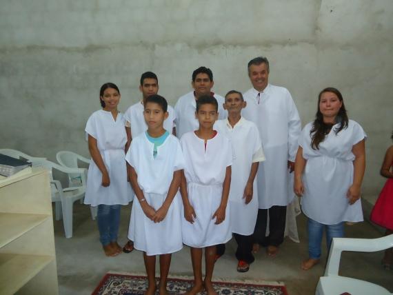 Batismo nas águas marca o crescimento da obra em Alagoinha